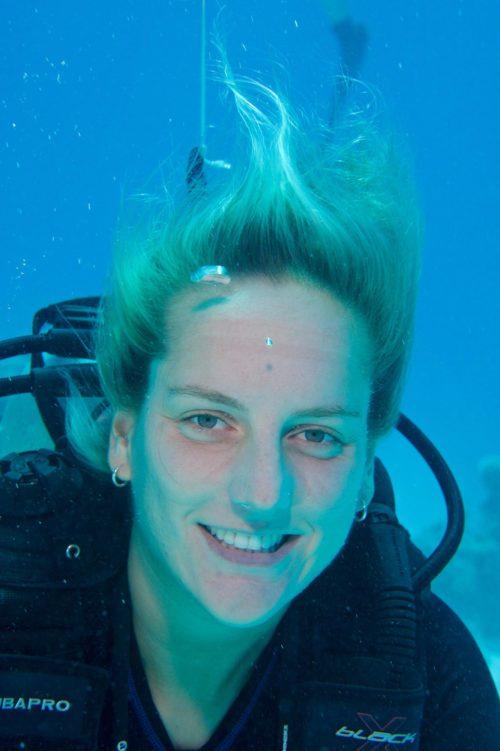 8_Dive-Buddy-Heidi-Hostettler